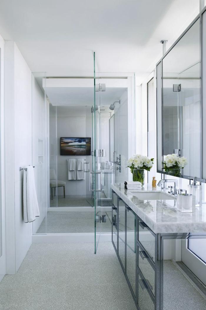 ideas de decoracion baños pequeños, cuarto de baño decorado en blanco y gris, baños en estilo nórdico