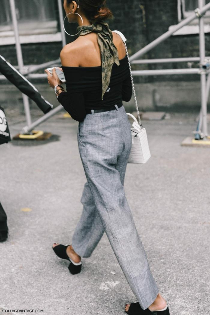 consejos e ideas sobre como poner un fular, pantalon moderno gris, blusa con hombros descubiertos, pañuelo verde en el cuello