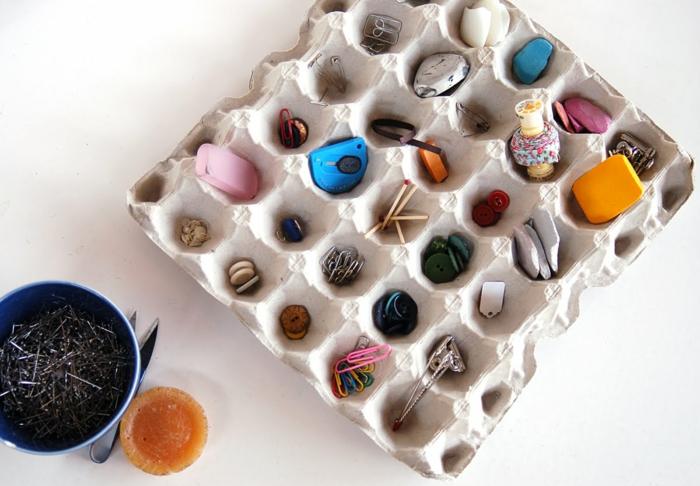ingeniosas propuestas de manualidades con hueveras, ideas sencillas paso a paso, bandeja de cartón reutilizada