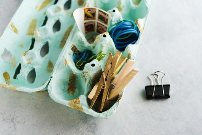 como reutilizar una bandeja de cartón para huevos, manualidades con hueveras paso a paso
