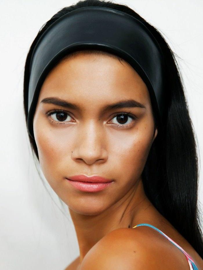 ideas de peinados faciles y rapidos, propuestas super faciles, pelo suelto recto con cinta negra