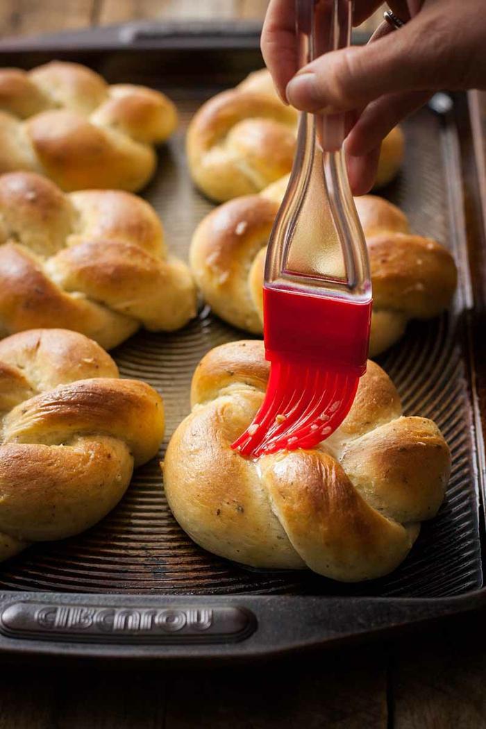 ideas de desayunos veganos para toda la familia, pan vegano casero super rico, como conseguir una dieta vegana