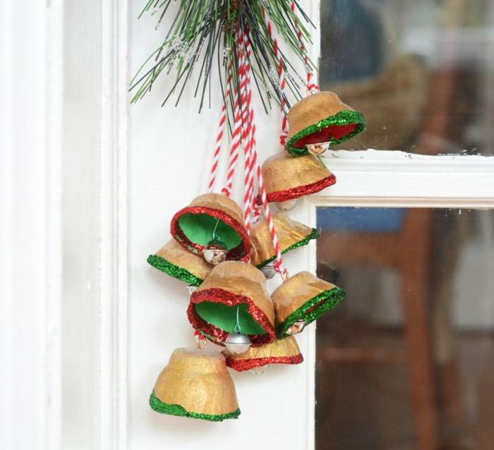 adornos caseros para Navidad, campañas DIY hechas de cartón, ingeniosas ideas de manualidades con cartulina