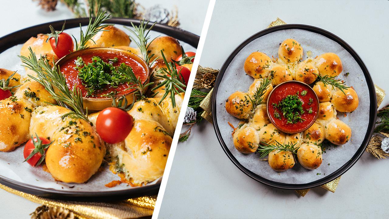 pan navideño con romero fresco y tomates uva, pan casero con mozzarella, ideas de recetas navideñas faciles y rápidas