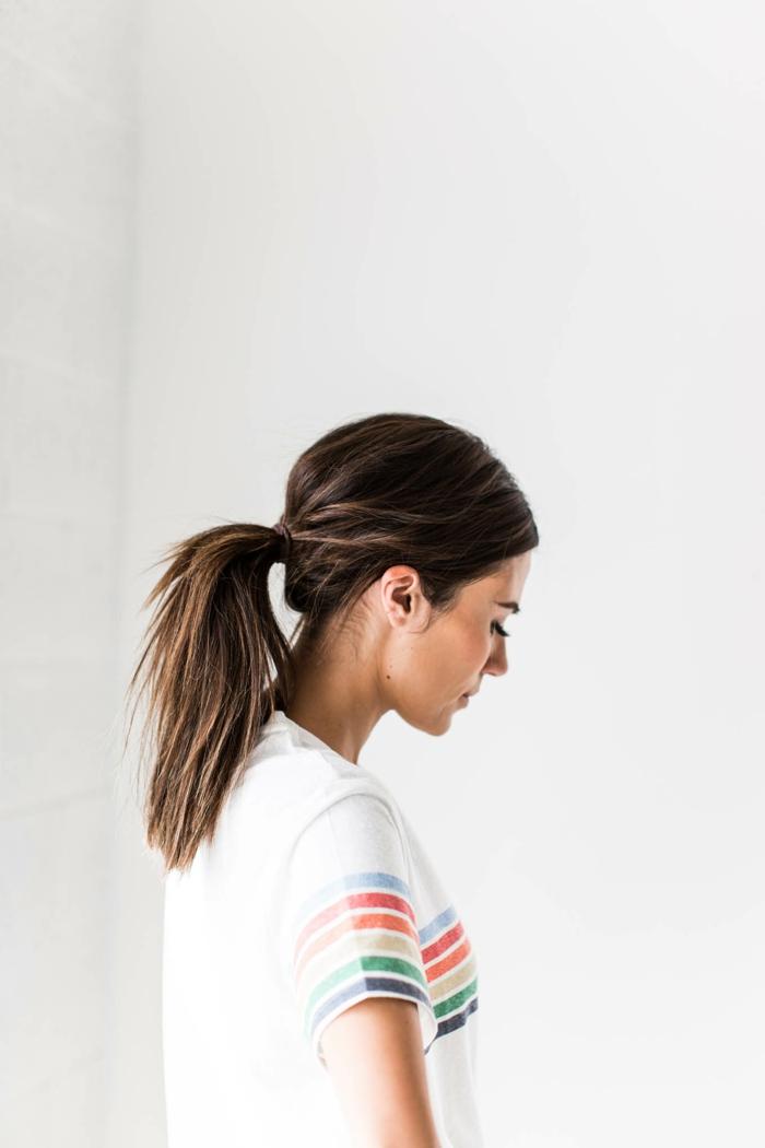 recogidos faciles paso a paso, bonita coleta con volumen, ideas de peinados sencillos y clásicos