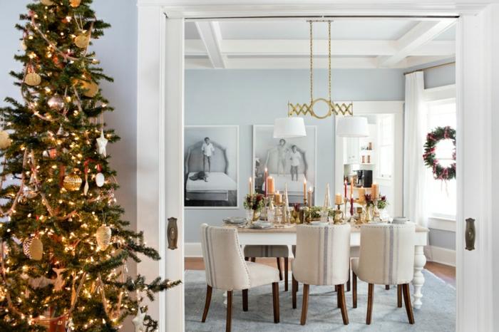 como adornar un arbol de navidad para espacios en estilo contemporáneo, decoración minimalista en dorado