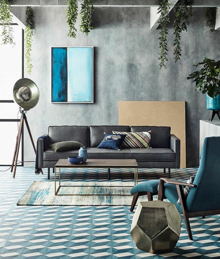 colores para paredes de salon, salón moderno decorado en estilo contemporáneo, paredes de hormigón, detalles decorativos en azul y beige