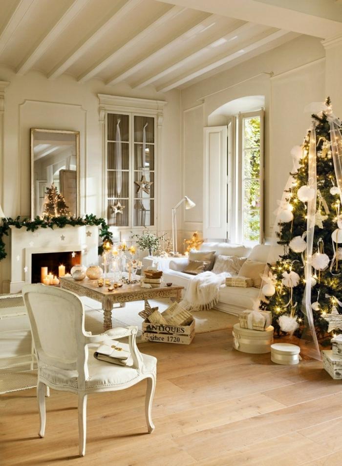 como decorar un arbol de navidad para ambientes en estilo escandinavo, espacio decorado en blanco, decoración minimalista