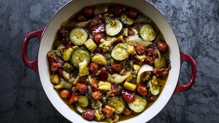 recetas veganas rapidas y saludables, como hacer ratatouille paso a paso, cocidos con legumbres