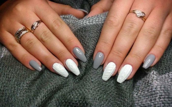 ideas de diseños uñas acrilicas o de gel, uñas pintadas en gris y blanco, decoración tridimensional