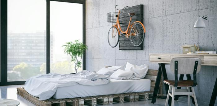las mejores ideas de decoracion con palets, dormitorio moderno con grandes ventanales y objetos decorativos originales