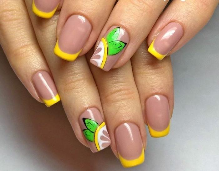diseños con acrilico para uñas, manicura francesa con puntas en amarillo, uñas de forma cuadrada, dibujos de limones