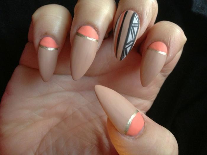 diseños de uñas acrílicas en bon itas imágines, forma almendrada con puntas afiladas, uñas pintadas en color beige y naranja