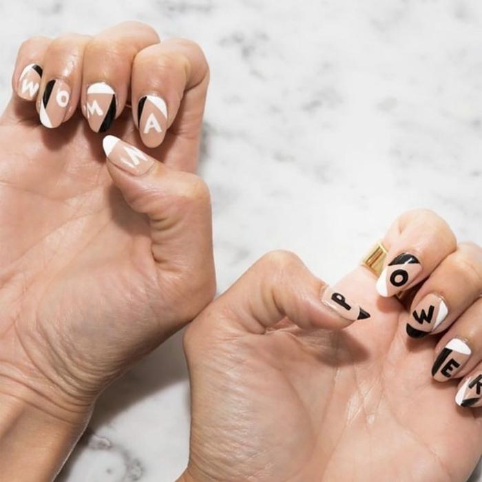 diseños de uñas exclusivos, uñas con detalles geométricos y letras decoradas en blanco, beige y negro