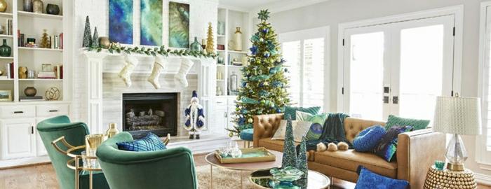 arboles de navidad originales decoradas según las últimas tendencias 2018 2019, salón moderno con detalles decorativos en verde y azul