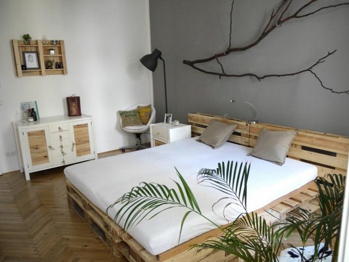 ideas de decoracion con palets estilo nórdico, habitacion decorada en estilo escandinavo con cama hecha de palets
