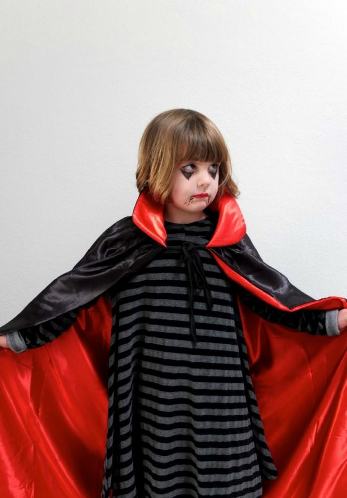 disfraces faciles y rapidos para niño, pequeno conde Dracula, maquillaje super fácil de hacer