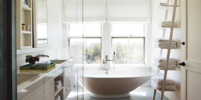 ejemplos de baños blancos modernos decorados en estilo minimalista, tendencias decoración de baño 2018 2019