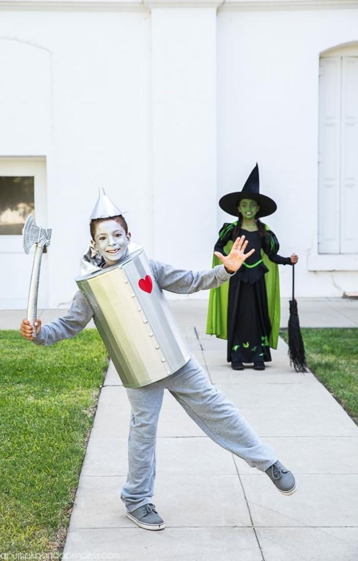 disfraces faciles y rapidos para niños y adultos, el hombre de la hojalada, disfraces caseros para la noche de Halloween