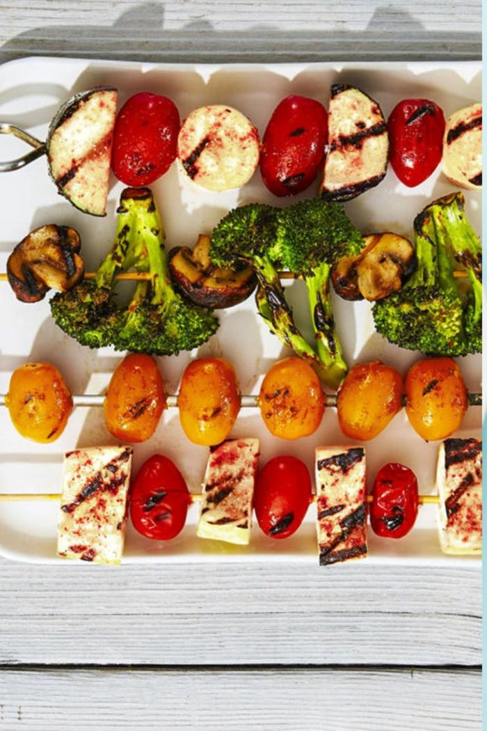pinchos de legumbres a la parrilla con tofu, ideas sobre comidas para conseguir una dieta vegana o vegetariana
