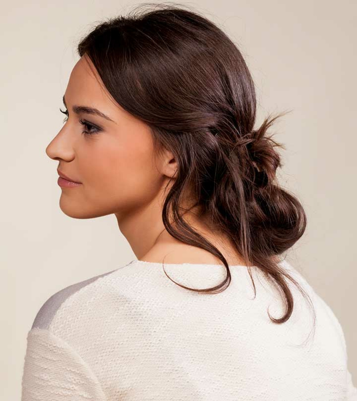 ejemplos orignales de peinados recogidos faciles para toda ocasión, cabello castaño oscuro largo