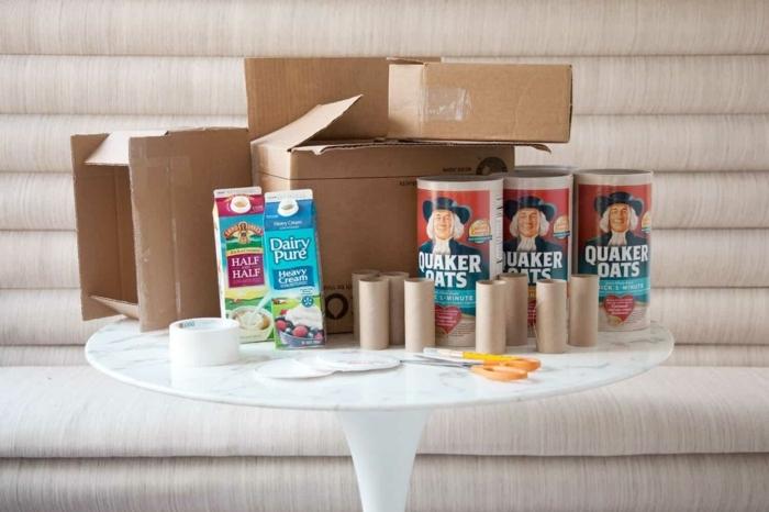 materiales necesarios para hacer un castillo de cartón reciclado, manualidades con tubos de carton
