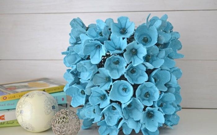 ideas de manualidades con cartón, como hacer una caja de carton paso a paso, decoración DIY con flores