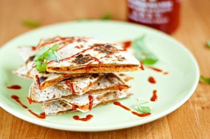 alimentacion vegana saludables, ideas sobre vegetarianos y veganos faciles de hacer, quesadillas con papas dulces
