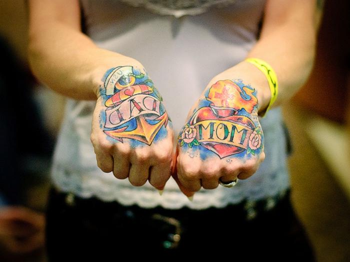 tatuajes vintage coloridos, propuestas de tatuajes inspirados en los tatuajes old school americanos del siglo XX