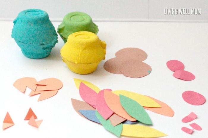 bonitas ideas de manualidades con cartulina y cartón reciclado, pequeños pavos reales paso a paso