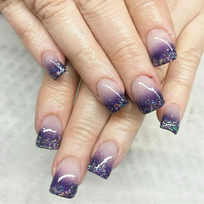 manicura de forma cuadrada, uñas francesas con puntas en lila con purpurina degradado