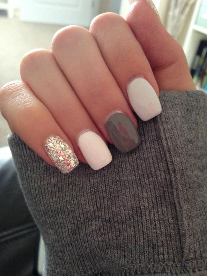 diseños de uñas elegantes, uñas largas forma cuadrada pintadas en blanco, gris y plateado