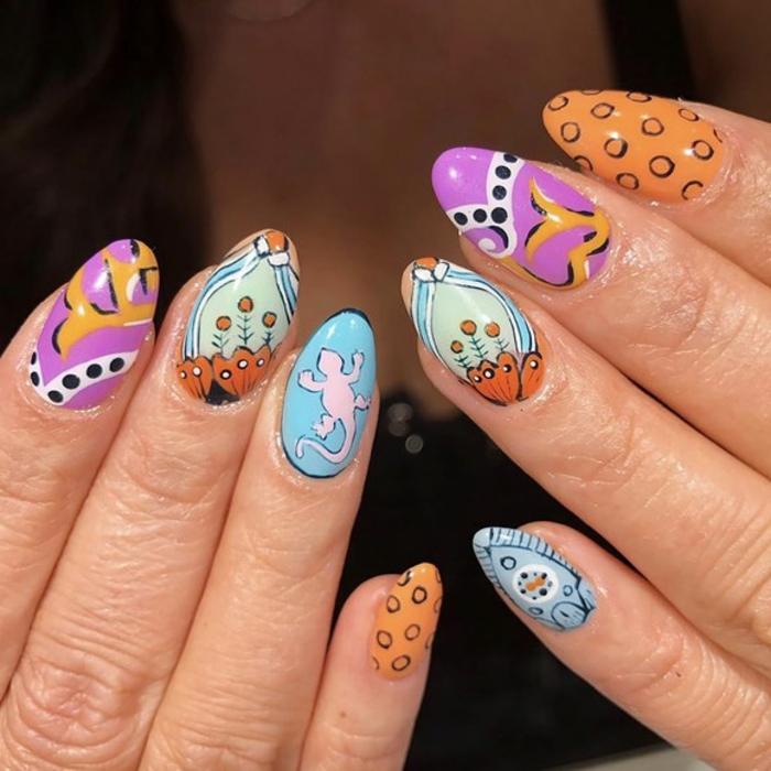 uñas pintadas en colores frescos con dibujos, diseños exclusivos de uñas acrílicas largas