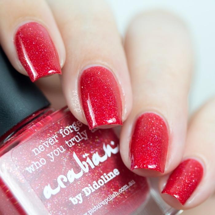 diseños de uñas en un solo color, uñas pintadas en rojo brillante forma cuadrada, uñas acrílicas