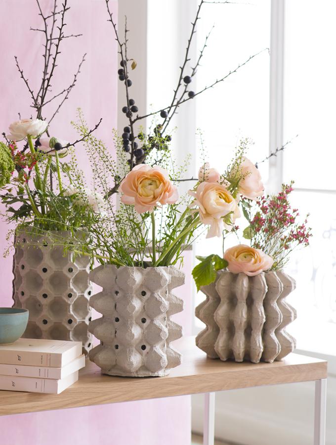 manualidades con hueveras para decorar el hogar, jarrones DIY super originales hechos con bandejas de huevos de cartón