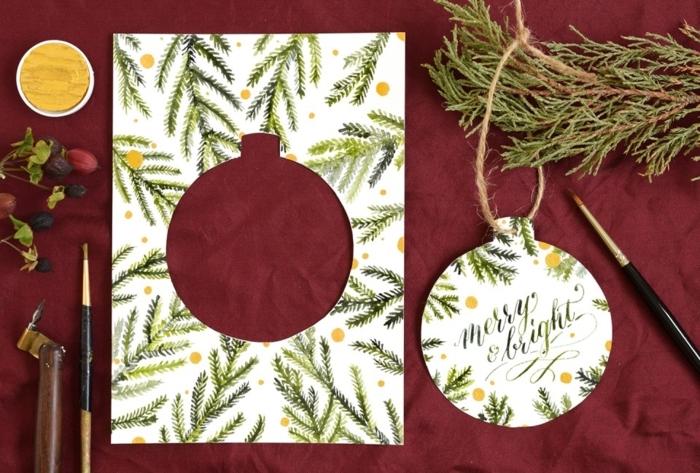 preciosas ideas de tarjetas navideñas originales, tarjetas que llevan un adorno para el arbol de Navidad