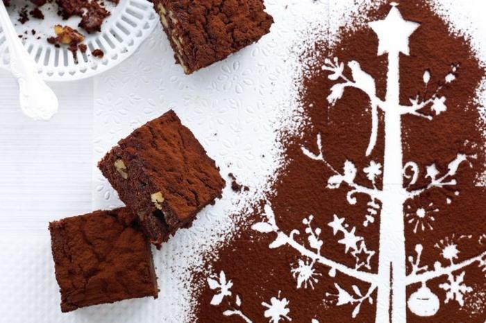 postres navideños clásicos super ricos, brownie con chocolate y cacao, dulces navideños fáciles