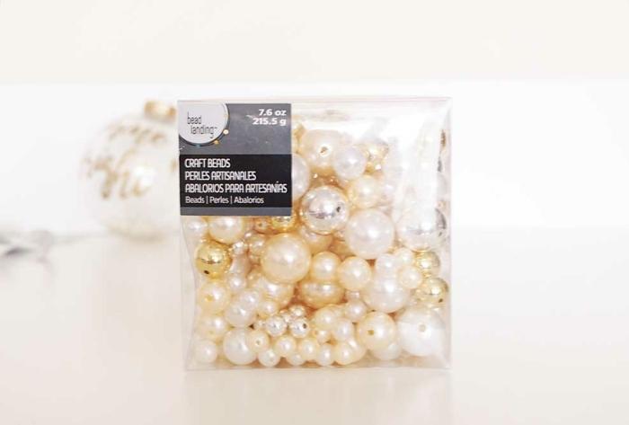 manualidades navideñas originales, adornos para hacer en 20 minutos, esferas decoradas para Navidad paso a paso