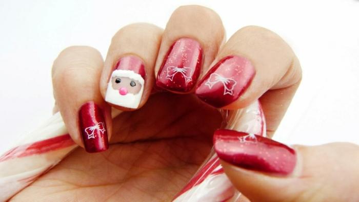 ideas de dibujos uñas para Navidad, largas uñas de forma cuadrada pintadas con esmalte rojo brillante, dibujo de Papá Noel