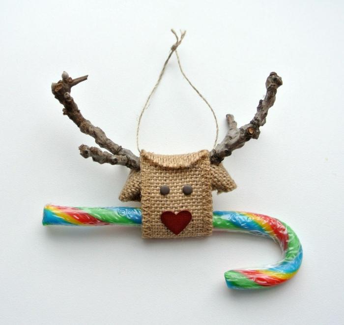 mini adornos DIY de materiales naturales, decoracion navideña manualidades, ingeniosas propuestas