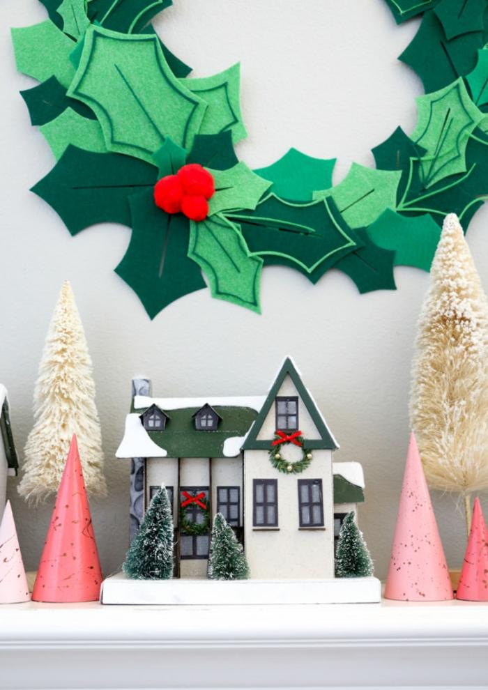 como hacer una guirnalda navideña de fieltro paso a paso, decoracion navideña manualidades