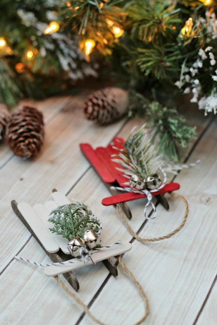 preciosos adornos de navidad caseros, para hacer en 20 minutos, trineos DIY hechos de palitos de helado