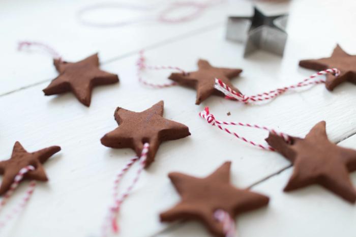 regalos originales para amigas hechos a mano, adornos navideños DIY, galletas en forma de estrellas
