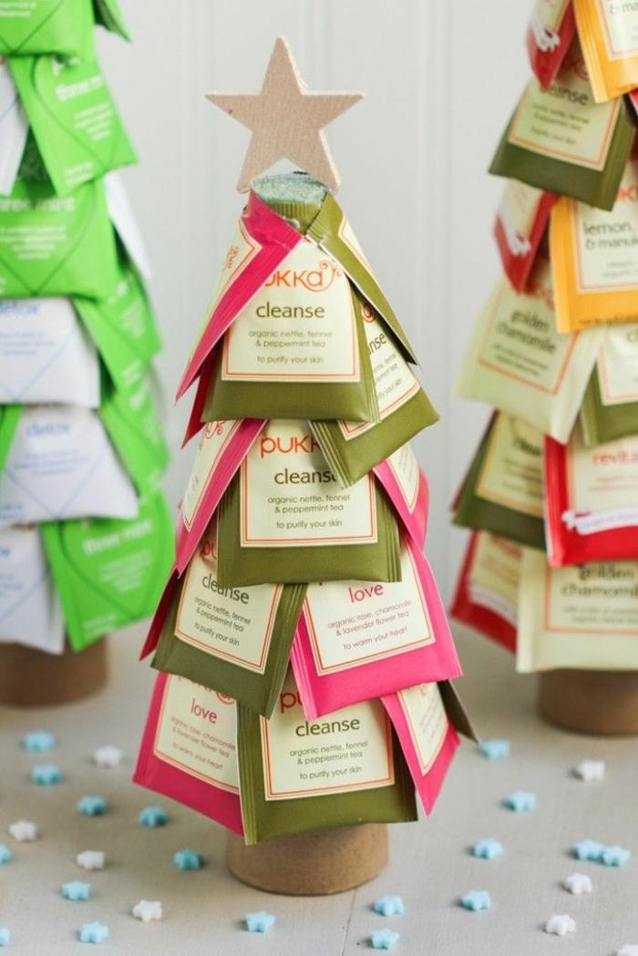 regalos para amigo invisible originales hechos a mano, árboles navideños hechos con bolsas de té