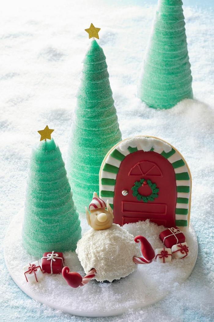adorables postres navideños faciles decorados de manera encantadora, árboles de navidad hechos de azucar