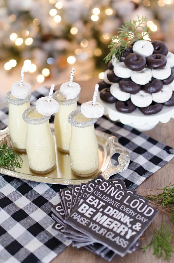 decoración mesa navideña, postres navideños caseros decorados de manera encantadora, rosquillas navideñas