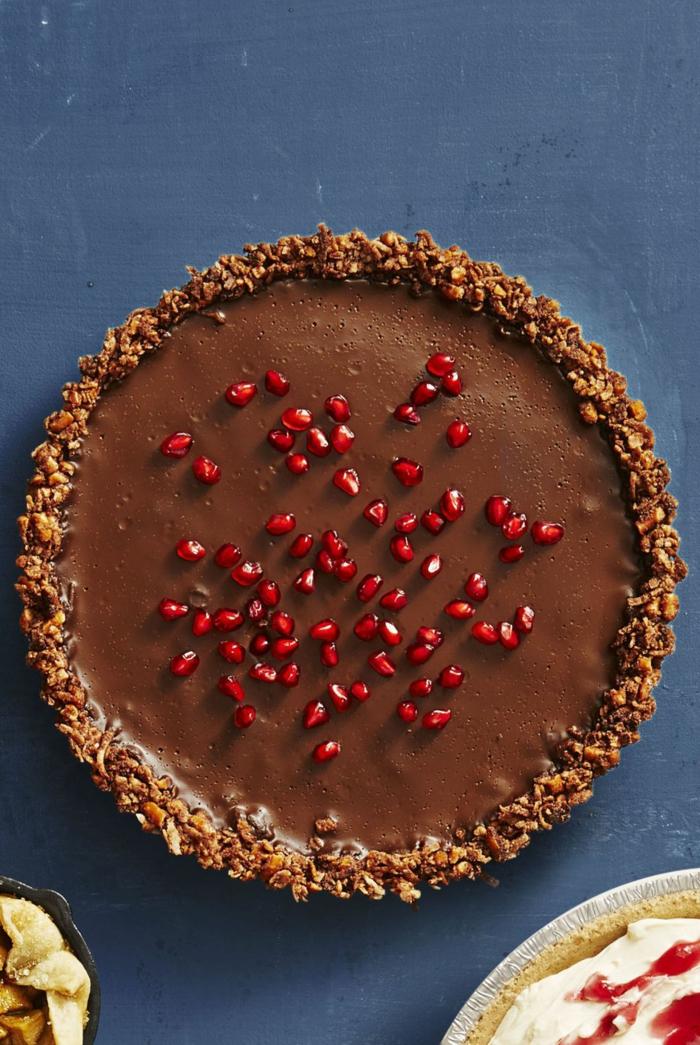 postres navideños originales y fáciles de hacer, tarta de queso con chocolate y granada
