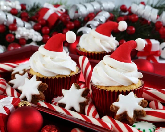 postres navideños originales, decoración sencilla y original de pequeñas magdalenas de mantequilla
