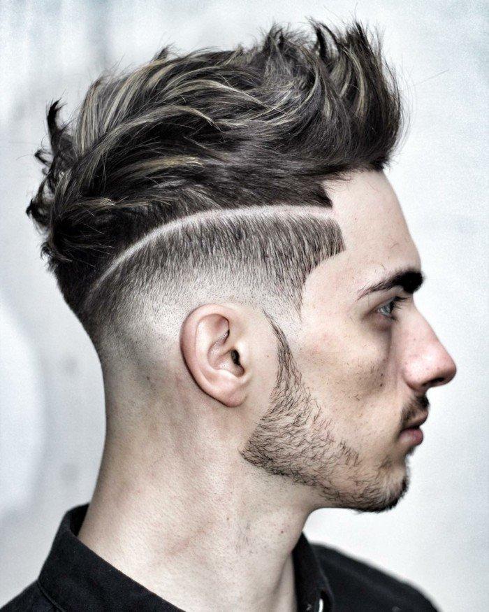 cortes de pelo hombre degradado marcado, tupe tecturizado hacia arriba, sienes rapados con raya