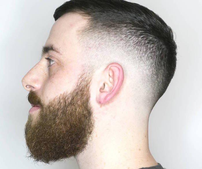 corte de pelo corto en estilo militar con barba, pelados hombre tradicionales, barba con bigotes pelirroja